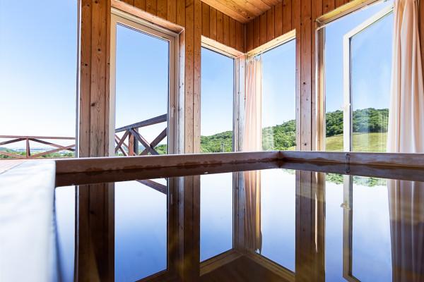 札幌市の家具家電付きマンスリーマンション「【高級別荘】大自然に佇む、美しい自然の眺望を持つ高級別荘。 101(No.399415)」メイン画像