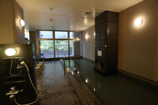 「ビオス館」の一押しである露天風呂付き天然温泉でゆっくりと疲れを癒してください♪