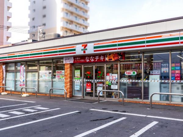 「セブンイレブン札幌南5条東店」まで徒歩1分(97m)!