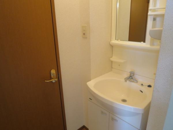 家具・家電・雑貨品設置前の室内写真となります。