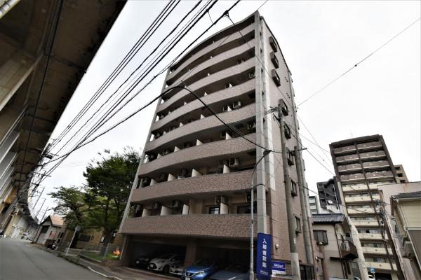 高層マンションで 駐車場完備の博多駅近くの物件!