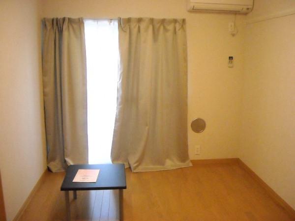 東京都昭島市のウィークリーマンション・マンスリーマンション「レオパレスルミエール 201(No.421671)」メイン画像