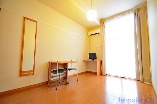 神奈川県横浜市泉区のウィークリーマンション・マンスリーマンション「レオパレス立場 209(No.427373)」メイン画像