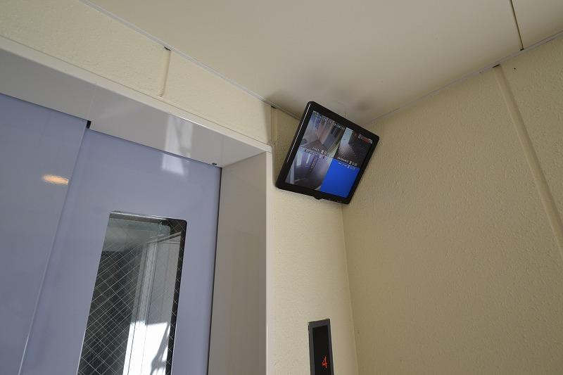 エレベーターには、防犯カメラも完備。女性にも安心です☆
