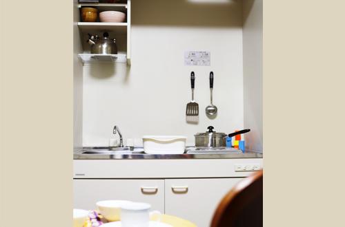 フライパン、やかん、鍋といった調理器具も充実!