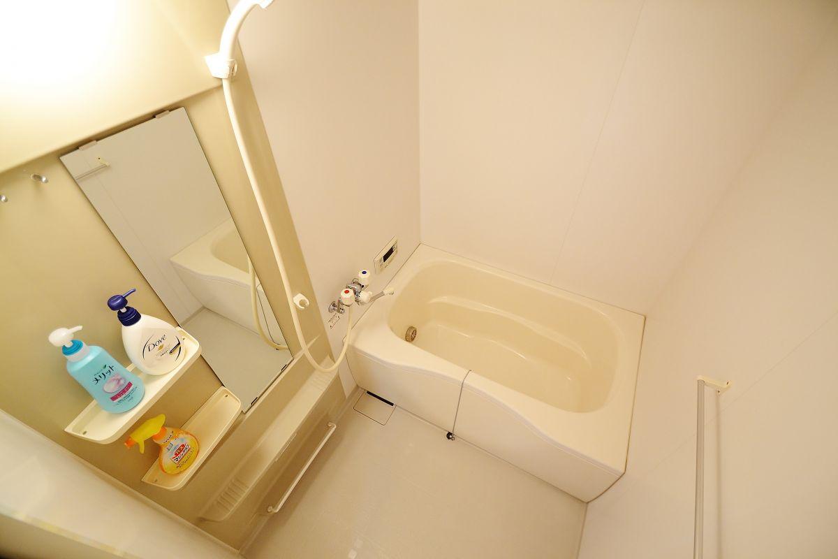 バスルームには、シャンプー、リンス、ボディソープ、お風呂用洗剤も完備しております。
