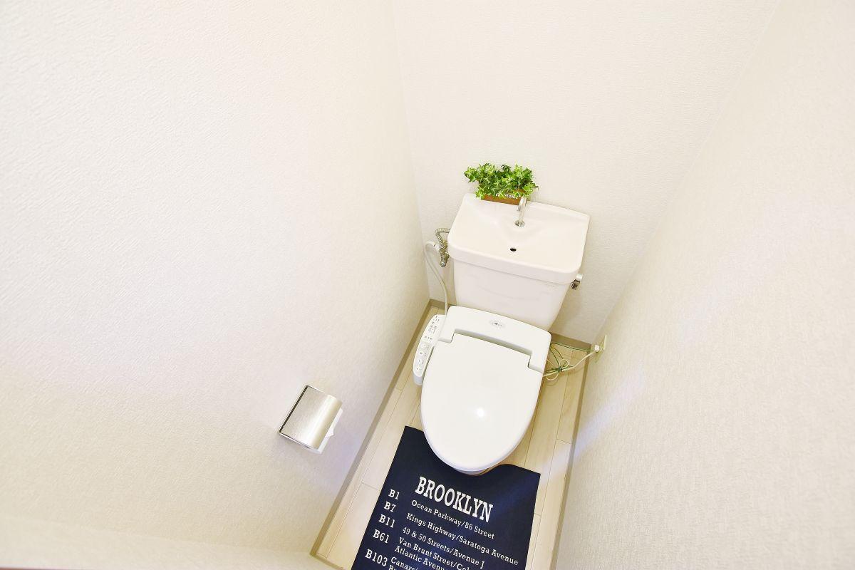 清潔感のあるトイレ★岡山・倉敷ウィークリーマンションではトイレットペーパーやトイレ用ブラシ・トイレ用洗剤もご用意。