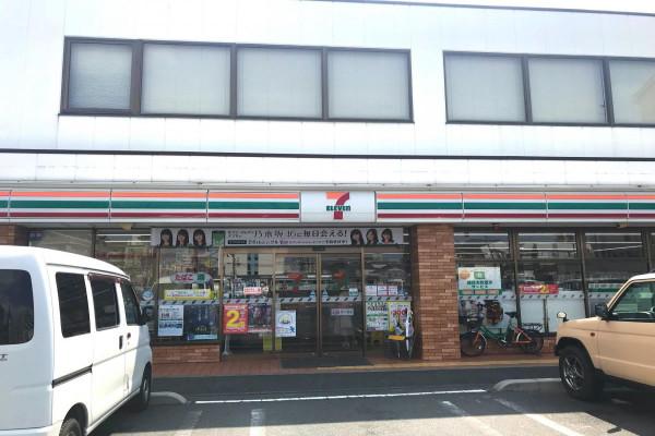 セブン-イレブン 岡山岡南町1丁目店まで徒歩2分、220m。