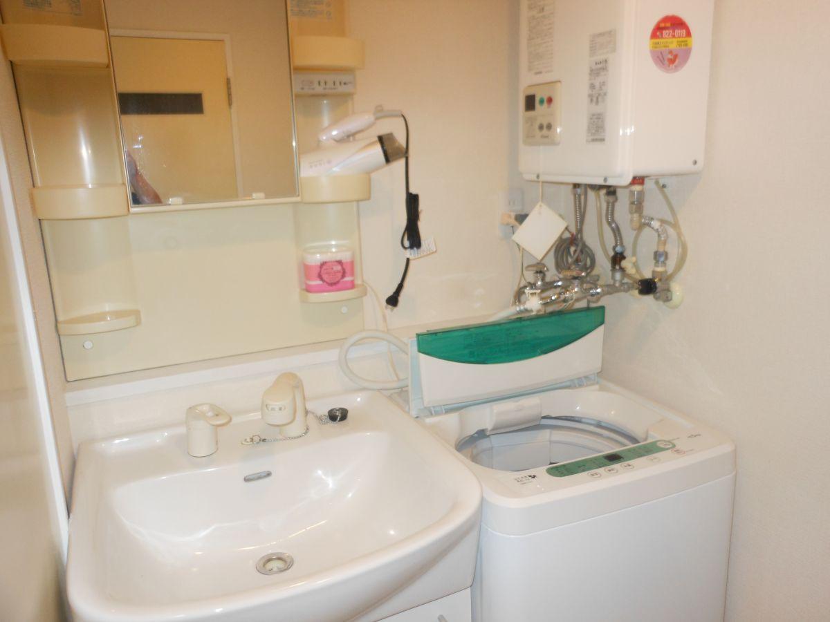 洗面化粧台、洗濯機