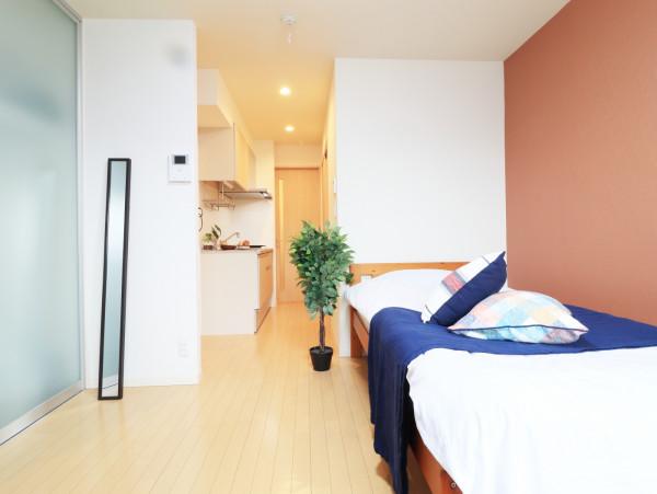 玄関はとても暖かい雰囲気となっております♪シューズボックスが備え付けられておりますので常に綺麗な状態でお使いいただけます(^^)