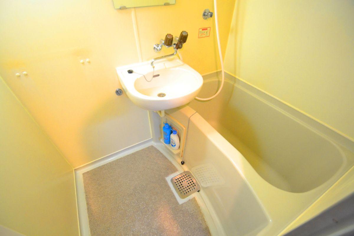 バストイレ別!シャンプーやボディーソープをご用意させていただいてるので入居してすぐ湯舟に浸かって疲れを癒すことが可能です♪