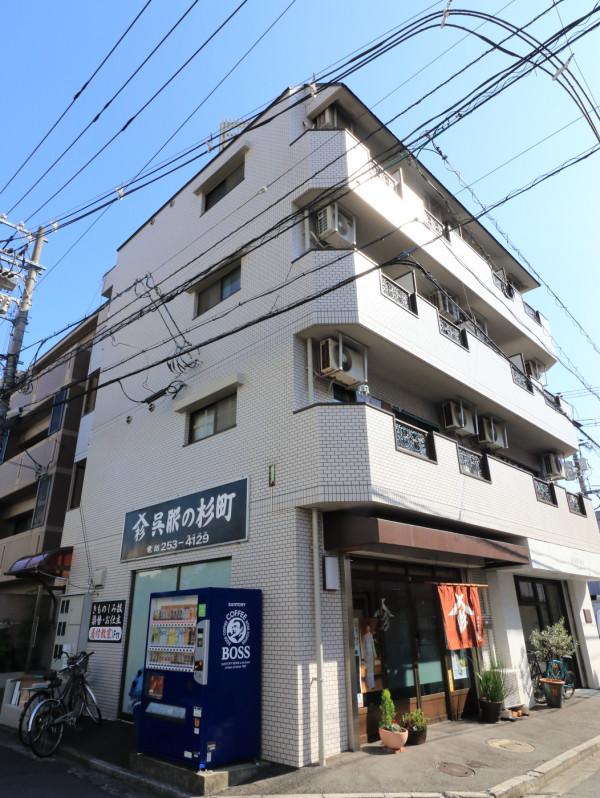 周辺にはコンビニや飲食店など多数ございます!また、広島大学病院に徒歩で通える距離にございますので、通院やお見舞いなど御用の方にはとても便利な立地です!!