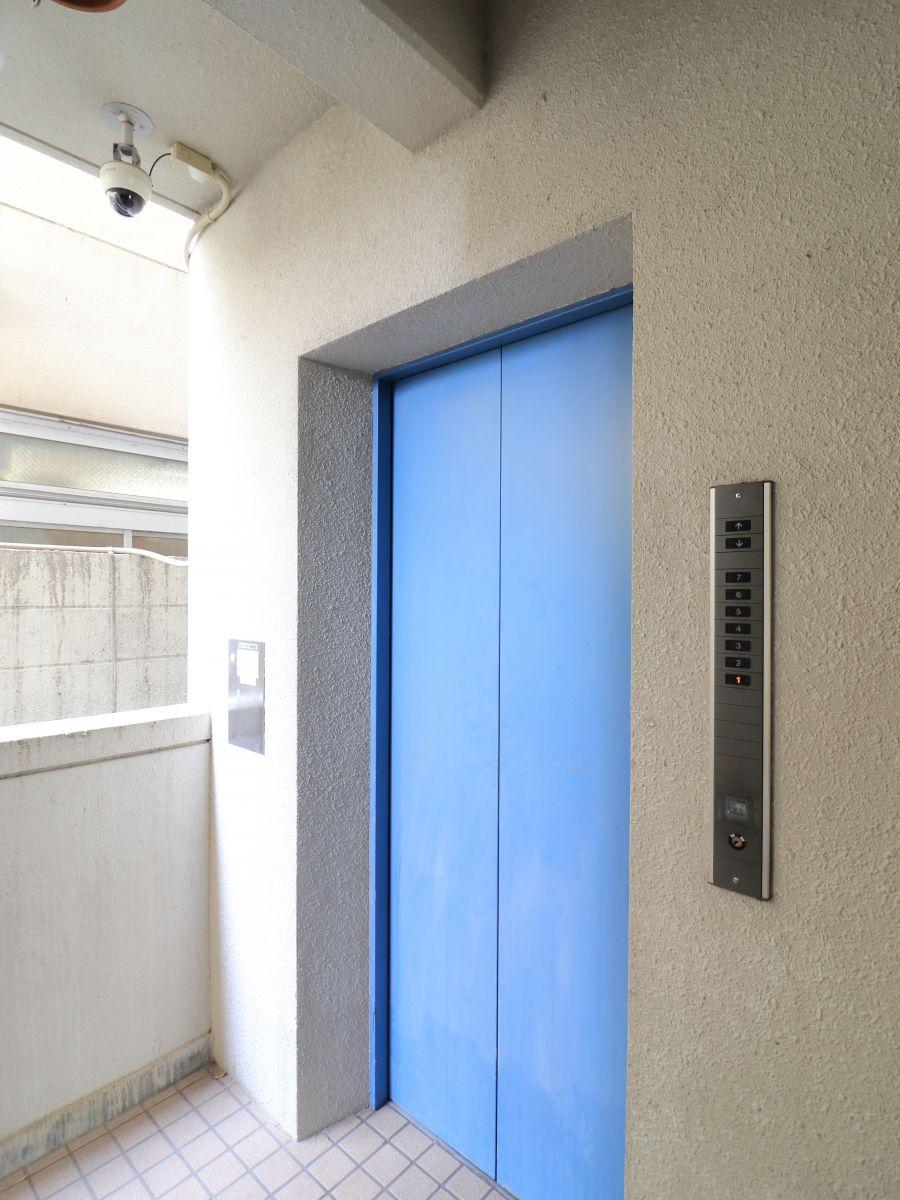 防犯カメラ&エレベーター