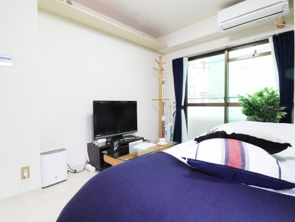 おしゃれな洋室(デザインクロス付)家具家電付きで入居されたその日から自宅のようにくつろいでいただける空間となっております。