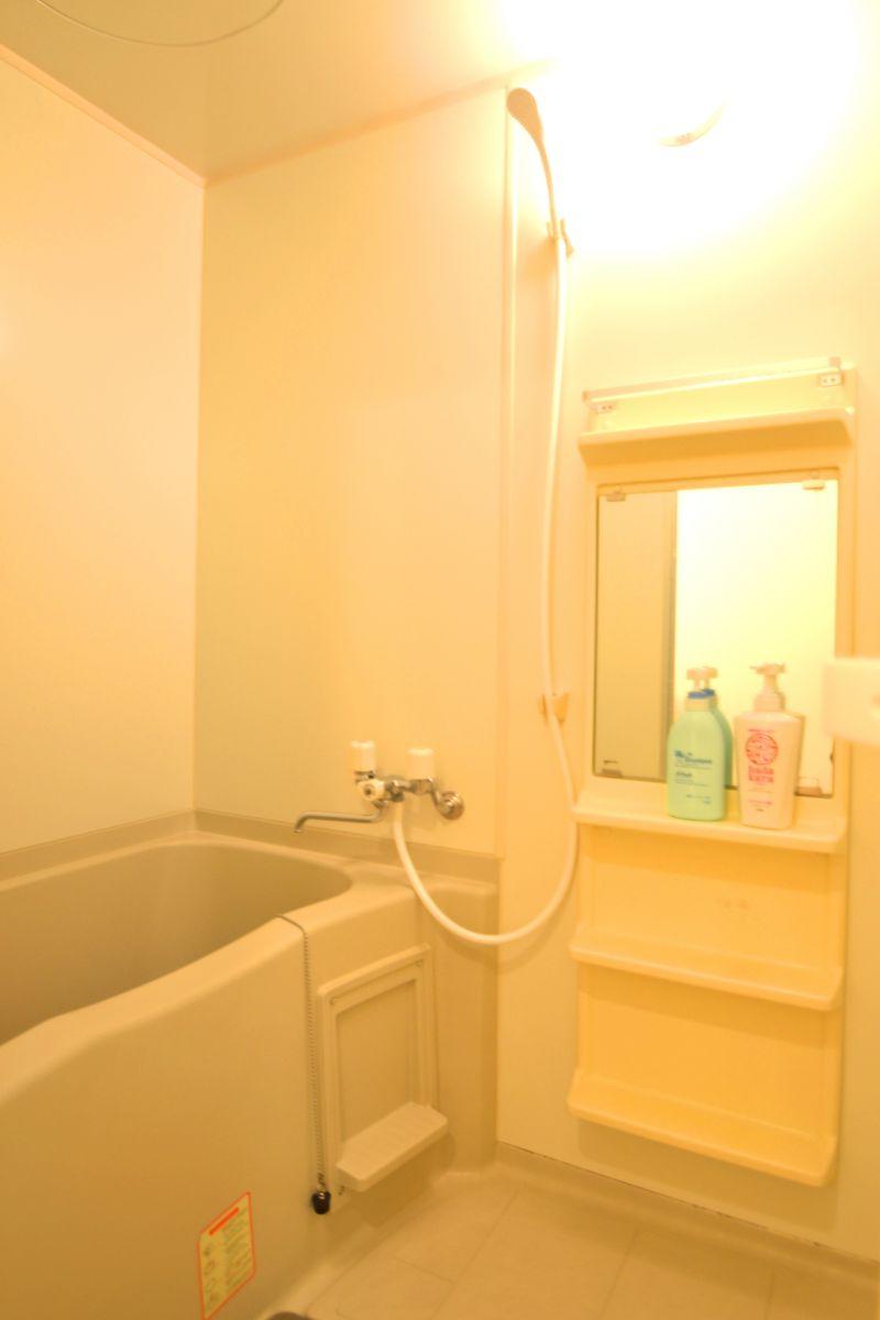 お風呂・トイレは別!お湯張り機能がついているのでお風呂にゆっくりつかりたい方には非常に魅力的ですね♪シャンプー・ボディーソープも準備しておりますので、無駄な出費もございません!